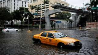 Cars on flooded streets of Miami, Florida. Photo: 9 November 2020