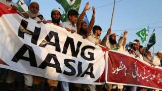 Pakistanis protesting against Asia Bibi's acquittal