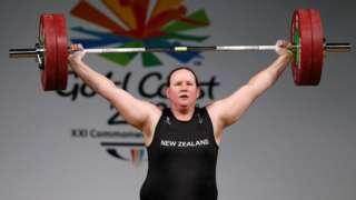 Laurel Hubbard lifting weights