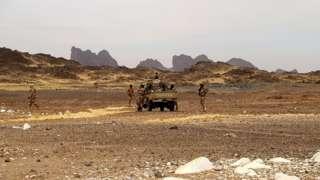 Les militaires nigériens ont lancé une vaste opération de ratissage dans le lit de la Komadougou afin de retrouver les auteurs de l'attaque contre une de leurs bases dans le sud-est du pays
