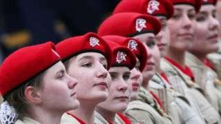 """2021年5月9日,参加红场阅兵的俄罗斯青少年军事爱国主义运动""""青年军""""的成员。"""