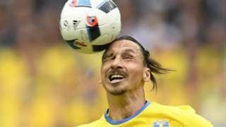 Zlatan heads the ball
