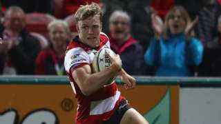 Ollie Thorley evades Worcester's Ben Te'o to score the first of his two early tries