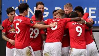 Manchester United celebrate against leicester