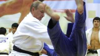 Vladimir Putin floors a judo opponent, 22 Dec 10