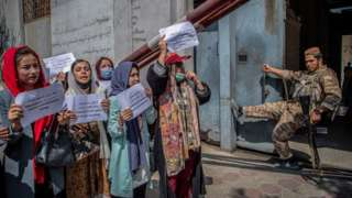 Taliban, Afghanistan, perempuan