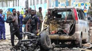Abajejwe umutekano bari ahabereye iki gitero c'umwiyahuzi i Mogadishu.