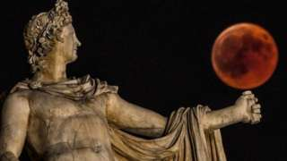 """A """"blood Moon"""" seen in Athens in July 2018"""