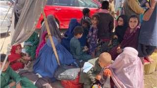 Crowds at Chaman Spin Boldak border