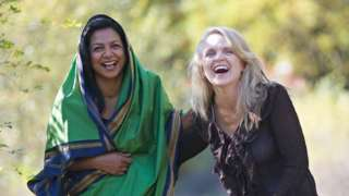 Nadyne Parr (R) with her best friend Soraya Deen, who invited her to join Ramadan fasting