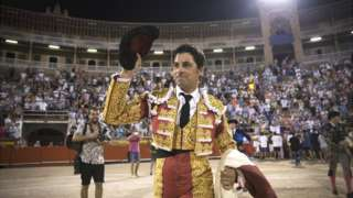 "Spanish matador Francisco Rivera Ordonez ""Paquirri"" waves after the bullfight at the Coliseo Balear in Palma de Mallorca on August 3, 2017"