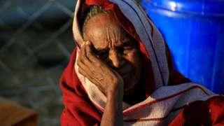 آلاف اللاجئين يفرون من العنف إلى السودان.