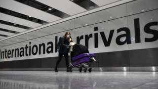 Ngành hàng không đang đặt hy vọng vào việc mở lại cho du lịch không phải cách ly trong năm nay.