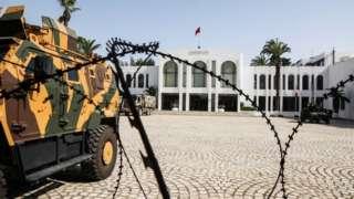 آلية عسكرية في تونس