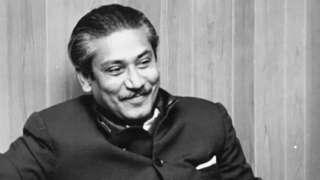শেখ মুজিবুর রহমান। স্বাধীনতার পর ১৯৭২ সালে বিবিসি বাংলাকে সাক্ষাৎকার দেবার সময় তোলা ছবি।