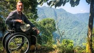 Frank Gardner in Colombia