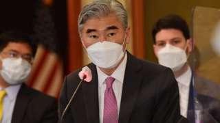 성 김 미국 국무부 대북특별대표가 21일 서울에서 열린 한미일 북핵수석대표 협의에서 모두발언을 하고 있다