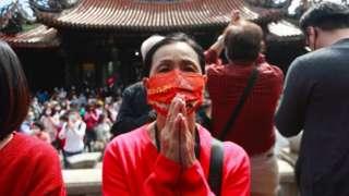 ဓါတ်ပုံ ၁ ။ ။ ထိုင်ဝမ်နိုင်ငံဟာ တရုတ်နိုင်ငံက ကိုရိုနာဗိုင်းရပ်စ်နဲ့ ပတ်သက်လို့ အရေးပေါ် အခြေအနေကြေညာလိုက်ချိန် ကတည်းက စပြီး အစောဆုံး နိုင်ငံခြားသား ဝင်ရောက်မှုကို ပိတ်ပင်ခဲ့တဲ့ တနိုင်ငံဖြစ်
