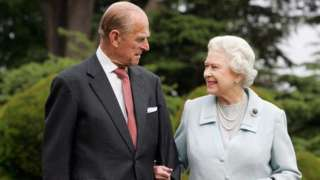Queen Elizabeth and Prince Philip walk at Broadlands in Romsey, 2007