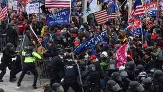 هواداران آقای ترامپ می خواستند کنگره پیروزی جو بایدن را تایید نکند