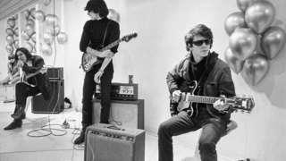 The Velvet Underground в своем золотом составе, слева направо: Мо Таккер, Джон Кейл, Стерлинг Моррисон, Лу Рид