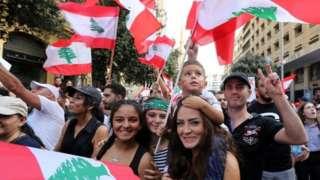 متظاهرات في لبنان