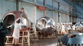 Cápsulas espaciais soviéticas em construção em 1961
