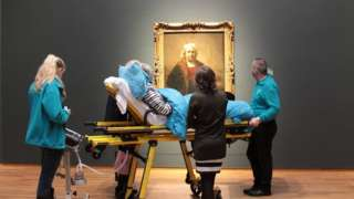 A woman whose last wish was to see her favourite Rembrandt painting