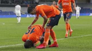 Demba Ba'nın gol sevinci