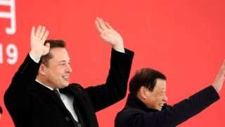 特斯拉CEO馬斯克在上海工廠奠基儀式