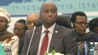 Olivier Nduhungirehe avuga ko nta mwanya uhari wo gusubiza kuri ibi