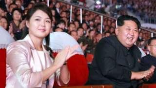 Kim Jong Un and Ri Sol-ju at a ceromony