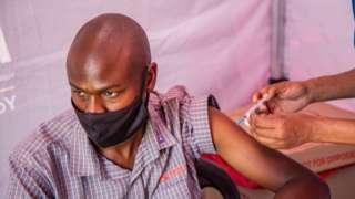 Les chiffres montrent le degré élevé de protection des vaccins contre la maladie et la mort, a déclaré l'ONS.