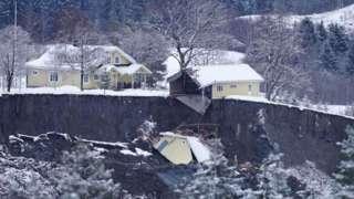 Disaster scene in Ask, 31 Dec 20