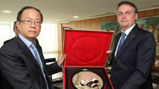 Presidente da Huawei no Brasil em encontro com Bolsonaro