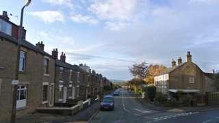 Green Lane, Hadfield