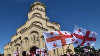 Собор в Тбилиси. 17 мая в международный день борьбы с гомофобией в Грузии отмечают день святости семьи