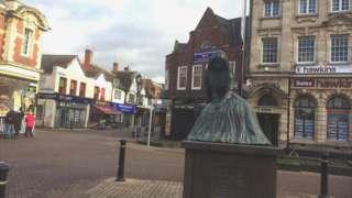 George Eliot statue