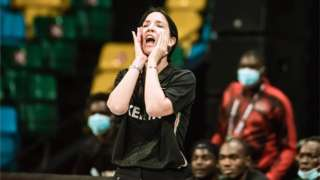 Liz Mills, umutoza wa basketball y'abagabo wa Kenya