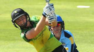 Heather Knight hits a boundary for Western Storm