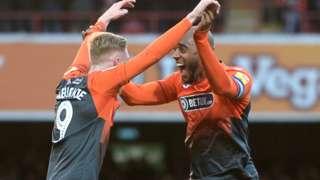 Leroy Fer of Swansea City celebrates scoring goal with Oliver McBurnie