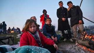 Migrants waiting to cross into Greece near Edirne, 2 Mar 20