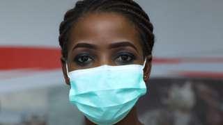 Nkechi Ogbonna na BBC tori pesin wey wear face mask