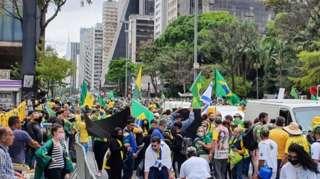 Manifestantes se reúnem na região da avenida Paulista em ato pró-Bolsonaro