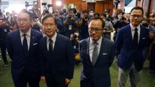 (左至右)被撤職的香港民主派立法會議員楊岳橋、郭家麒、梁繼昌和郭榮鏗(11/11/2020)