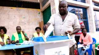 Les Bissau-Guinéens votent pour retrouver la voie de la stabilité.