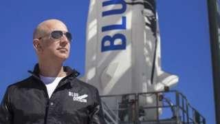 아마존의 첫 우주관광 로켓 '뉴 셰퍼드'는 우주에서 지구로 돌아올 때 수직 착륙이 가능하다