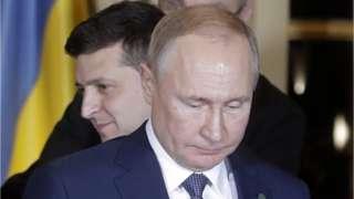 Президент Украины Владимир Зеленский и президент России Владимир Путин (слева направо)