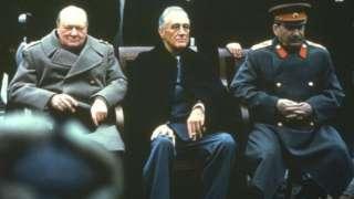 Abiswe Ibihangange Bitatu - uva i bubamfu uja i buryo: Winston Churchill, Franklin Roosevelt na Joseph Staline