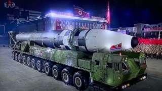 북한이 지난해 10월 10일 노동당 창건 75주년을 맞아 열병식을 개최하고 신형 ICBM 추정 무기를 공개했다.